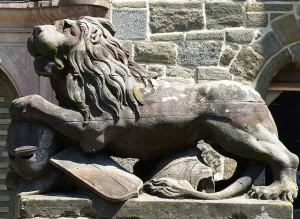 Skulptur eines Löwen